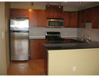 """Photo 4: 801 415 E COLUMBIA Street in New_Westminster: Sapperton Condo for sale in """"San Marino"""" (New Westminster)  : MLS®# V685851"""
