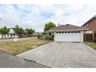 Photo 2: 6365 48 A Avenue in Ladner: Holly House for sale : MLS®# R2387663