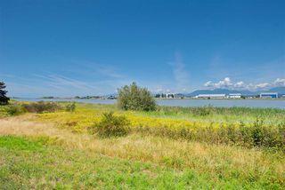 "Main Photo: 215 5500 LYNAS Lane in Richmond: Riverdale RI Condo for sale in ""The Hamptons"" : MLS®# R2408010"