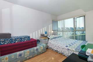 Photo 8: 305 2763 CHANDLERY Place in Vancouver: South Marine Condo for sale (Vancouver East)  : MLS®# R2416093