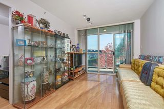 Photo 3: 305 2763 CHANDLERY Place in Vancouver: South Marine Condo for sale (Vancouver East)  : MLS®# R2416093