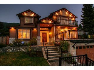 Photo 1: 662 CRYSTAL Court in North Vancouver: Home for sale : MLS®# V984105