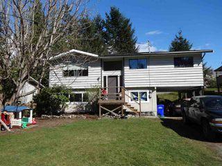 Main Photo: 5764 BINNACLE Avenue in Sechelt: Sechelt District House for sale (Sunshine Coast)  : MLS®# R2447649