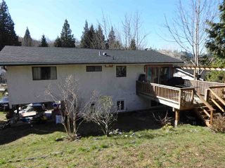 Photo 2: 5764 BINNACLE Avenue in Sechelt: Sechelt District House for sale (Sunshine Coast)  : MLS®# R2447649
