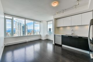 "Photo 3: 3202 6333 SILVER Avenue in Burnaby: Metrotown Condo for sale in ""SILVER"" (Burnaby South)  : MLS®# R2470696"