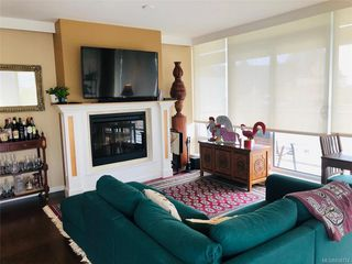 Main Photo: 804 707 Courtney St in Victoria: Vi Downtown Condo Apartment for sale : MLS®# 838774