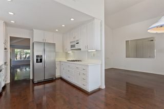 Photo 12: UNIVERSITY CITY House for sale : 3 bedrooms : 4216 Caminito Cassis in San Diego