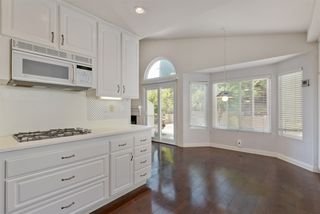 Photo 13: UNIVERSITY CITY House for sale : 3 bedrooms : 4216 Caminito Cassis in San Diego