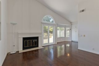 Photo 10: UNIVERSITY CITY House for sale : 3 bedrooms : 4216 Caminito Cassis in San Diego