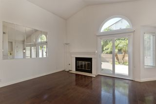 Photo 9: UNIVERSITY CITY House for sale : 3 bedrooms : 4216 Caminito Cassis in San Diego