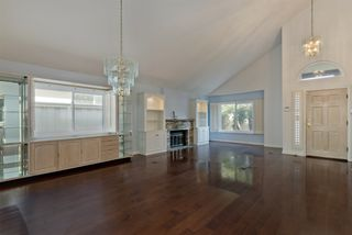 Photo 8: UNIVERSITY CITY House for sale : 3 bedrooms : 4216 Caminito Cassis in San Diego