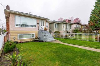 Photo 3: 4136 SKEENA Street in Vancouver: Renfrew Heights House for sale (Vancouver East)  : MLS®# R2514763