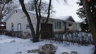 Photo 2: 251 Gilmore Avenue in Winnipeg: North Kildonan Residential for sale (North East Winnipeg)
