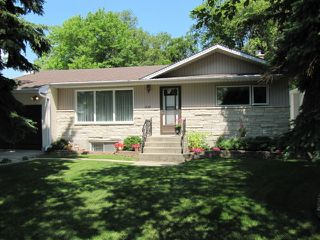 Photo 3: 251 Gilmore Avenue in Winnipeg: North Kildonan Residential for sale (North East Winnipeg)