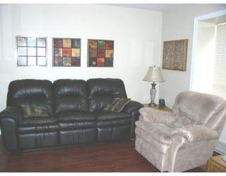 Photo 3: # 9 20630 118TH AV in Maple Ridge: Condo for sale : MLS®# V665636