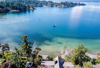 Main Photo: 11326 Chalet Road in NORTH SAANICH: NS Deep Cove Single Family Detached for sale (North Saanich)  : MLS®# 413808