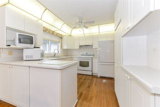Photo 4: 2 17418 98A Avenue in Edmonton: Zone 20 House Half Duplex for sale : MLS®# E4176630