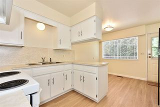 """Photo 12: 5435 - 5437 SUSSEX Avenue in Burnaby: Forest Glen BS House Duplex for sale in """"Forest Glen"""" (Burnaby South)  : MLS®# R2412379"""