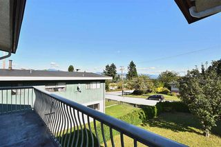 "Photo 4: 5435 - 5437 SUSSEX Avenue in Burnaby: Forest Glen BS House Duplex for sale in ""Forest Glen"" (Burnaby South)  : MLS®# R2412379"