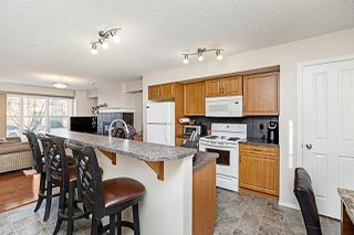 Photo 8: 2167 32 Street in Edmonton: Zone 30 House Half Duplex for sale : MLS®# E4183106