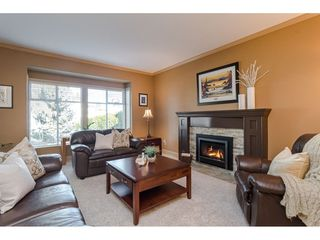 "Photo 5: 9241 209A Crescent in Langley: Walnut Grove House for sale in ""Central Walnut Grove"" : MLS®# R2445975"