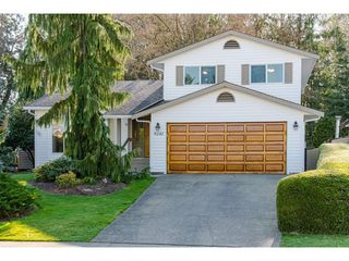 "Photo 1: 9241 209A Crescent in Langley: Walnut Grove House for sale in ""Central Walnut Grove"" : MLS®# R2445975"