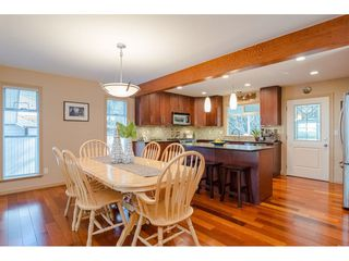 "Photo 6: 9241 209A Crescent in Langley: Walnut Grove House for sale in ""Central Walnut Grove"" : MLS®# R2445975"