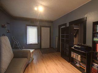 Photo 2: 9640-9642 80 Avenue in Edmonton: Zone 17 House Duplex for sale : MLS®# E4202316