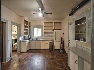 Photo 5: 9640-9642 80 Avenue in Edmonton: Zone 17 House Duplex for sale : MLS®# E4202316