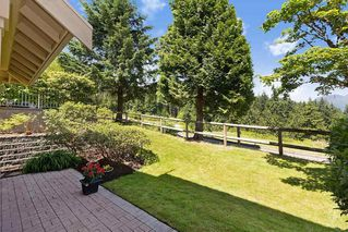"""Photo 24: 13 3405 PLATEAU Boulevard in Coquitlam: Westwood Plateau Townhouse for sale in """"PINNACLE RIDGE"""" : MLS®# R2476821"""