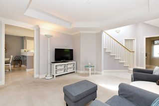 """Photo 3: 13 3405 PLATEAU Boulevard in Coquitlam: Westwood Plateau Townhouse for sale in """"PINNACLE RIDGE"""" : MLS®# R2476821"""