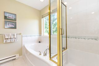 """Photo 17: 13 3405 PLATEAU Boulevard in Coquitlam: Westwood Plateau Townhouse for sale in """"PINNACLE RIDGE"""" : MLS®# R2476821"""