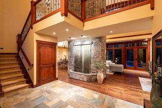Photo 3: 6693 TAPLEY Place in Whistler: Whistler Cay Estates House for sale : MLS®# R2481263