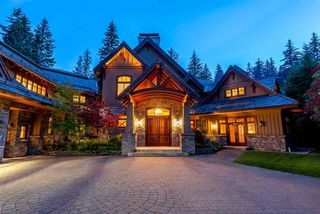 Photo 2: 6693 TAPLEY Place in Whistler: Whistler Cay Estates House for sale : MLS®# R2481263