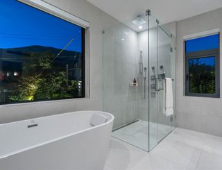 Photo 24: 990 WAVERTREE Road in North Vancouver: Forest Hills NV House for sale : MLS®# R2482538