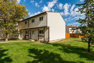 Photo 2: 1318 LAKEWOOD Road W in Edmonton: Zone 29 Townhouse for sale : MLS®# E4214309