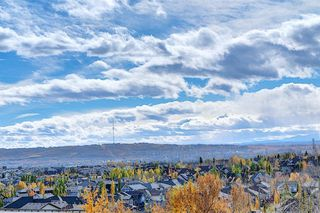 Photo 32: 4 145 Rockyledge View NW in Calgary: Rocky Ridge Apartment for sale : MLS®# A1041175