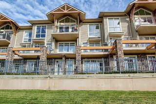 Photo 3: 4 145 Rockyledge View NW in Calgary: Rocky Ridge Apartment for sale : MLS®# A1041175