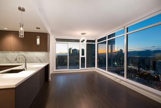 "Photo 1: 3207 6538 NELSON Avenue in Burnaby: Metrotown Condo for sale in ""MET 2"" (Burnaby South)  : MLS®# R2509693"