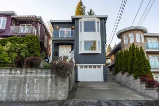 Photo 4: 217 N SEA Avenue in Burnaby: Capitol Hill BN House for sale (Burnaby North)  : MLS®# R2522057