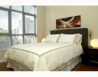 Photo 7: 1050 SMITHE Street in Vancouver: West End VW Condo for sale (Vancouver West)  : MLS®# V641719