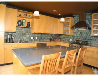 Photo 4:  in CALGARY: Roxboro Residential Detached Single Family for sale (Calgary)  : MLS®# C3267259