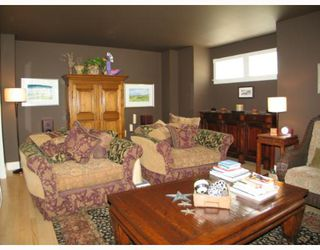 Photo 2:  in CALGARY: Roxboro Residential Detached Single Family for sale (Calgary)  : MLS®# C3267259