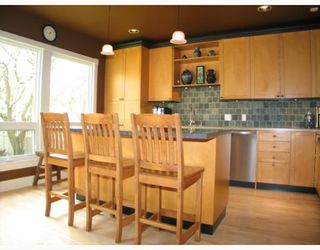 Photo 3:  in CALGARY: Roxboro Residential Detached Single Family for sale (Calgary)  : MLS®# C3267259