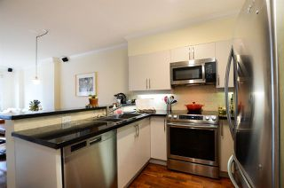"Photo 4: 308 1888 YORK Avenue in Vancouver: Kitsilano Condo for sale in ""YORKVILLE NORTH"" (Vancouver West)  : MLS®# R2387827"