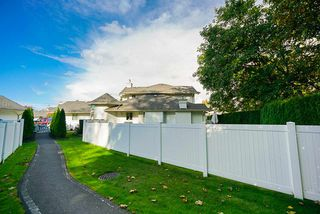 """Photo 16: 41 9208 208 Street in Langley: Walnut Grove Townhouse for sale in """"Churchill Park"""" : MLS®# R2412309"""
