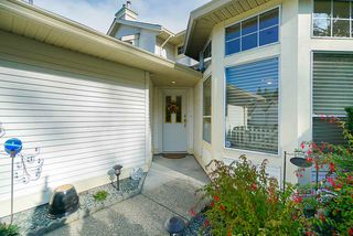 """Photo 3: 41 9208 208 Street in Langley: Walnut Grove Townhouse for sale in """"Churchill Park"""" : MLS®# R2412309"""