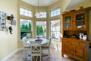 """Photo 8: 41 9208 208 Street in Langley: Walnut Grove Townhouse for sale in """"Churchill Park"""" : MLS®# R2412309"""