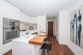 Photo 6: 404 389 W 59TH Avenue in Vancouver: South Cambie Condo for sale (Vancouver West)  : MLS®# R2428199