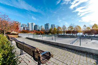 "Photo 18: 2202 1408 STRATHMORE Mews in Vancouver: Yaletown Condo for sale in ""WEST ONE"" (Vancouver West)  : MLS®# R2432434"